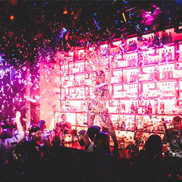 soirée à thème - événement anniversaire la place