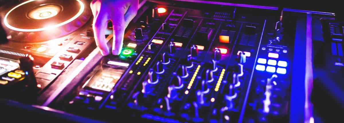 DJ la place